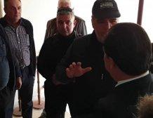 Η ειρωνεία και τα... νευράκια περισσεύουν όταν ο Άδωνις Γεωργιάδης έρχεται αντιμέτωπος με τους αγρότες