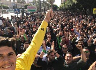 Πρωτοφανείς διαδηλώσεις από τους αγρότες της Αλμερίας στην Ισπανία