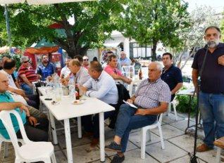 Κινητοποίηση των παραγωγών μήλων στα κεντρικά γραφεία του ΕΛΓΑ στην Αθήνα την Τετάρτη