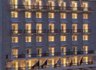 Στη Λάμψα Α.Ε. μεταβίβασε η Eurobank το ξενοδοχείο King George