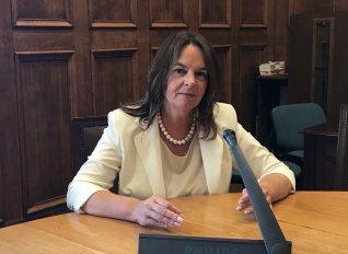 Παπανάτσιου: Μεροληψία της κυβέρνησης υπέρ των μεγάλων περιουσίων στο θέμα της μείωσης του ΕΝΦΙΑ