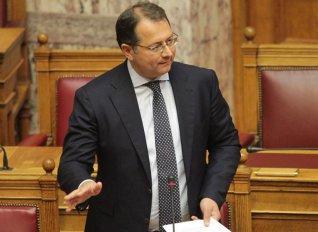 Ενισχύσεις de minimis στους ελαιοκαλλιεργητές Ηπείρου και Δυτικής Ελλάδας ζητά ο Στύλιος