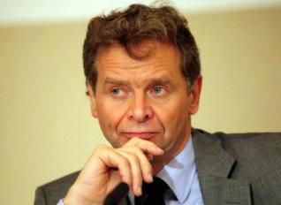 Τόμσεν: Τα μέτρα για το χρέος πρέπει να συγκεκριμενοποιηθούν πριν τη λήξη του προγράμματος