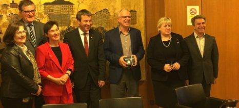 Με τους έξι Γερμανούς βουλευτές που επισκέπτονται τη χώρα μας συναντήθηκαν Αποστόλου και Κασίμης