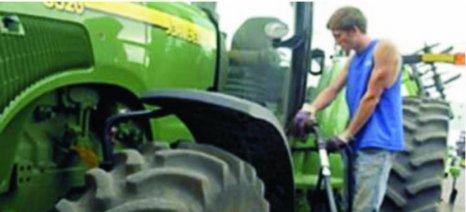 Μείωση τιμής του αγροτικού πετρελαίου εξετάζει η κυβέρνηση