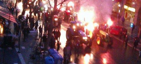 Αλεξανδρούπολη: Μπήκαν με τα τρακτέρ στο κέντρο της πόλης