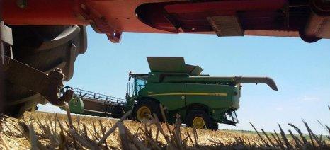 Εξαντλήθηκαν οι πινακίδες κυκλοφορίας για τα αγροτικά μηχανήματα