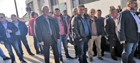 Συνάντηση με τον Β. Κόκκαλη στο ΥΠΑΑΤ θα έχουν οι αμυγδαλοπαραγωγοί της Λάρισας για τις ζημιές από το χαλάζι