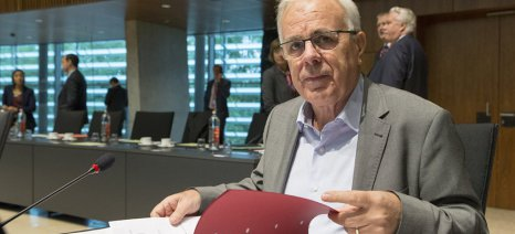 Αποστόλου στην ΕΡΤ: Αύριο ανοίγει το ΟΣΔΕ για τις δηλώσεις του 2017 - θα αντιμετωπιστούν τα προβλήματα με τους δασικούς χάρτες