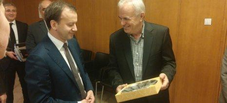 Ελληνορωσική συνεργασία στην αγροτική οικονομία και παράθυρο για μελλοντική άρση του εμπάργκο