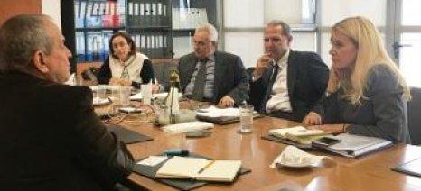 Έλεγχοι για ελληνοποιήσεις και νέοι αγρότες συζητήθηκαν μεταξύ ΕΛΓΟ-ΔΗΜΗΤΡΑ και Αραμπατζή