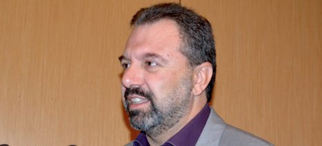 Κάλεσμα Αραχωβίτη προς τις περιφέρειες να προχωρήσουν στην έγκαιρη έναρξη της φετινής δακοκτονίας