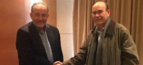 Συνεργασία Διεπαγγελματικής Κρασιού και ΕΛΓΟ «Δήμητρα» για εθνικό σχέδιο στον αμπελουργικό τομέα