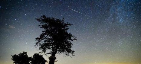 Τη νύχτα της 12ης Αυγούστου κορυφώνεται η πιο θεαματική βροχή διαττόντων του καλοκαιριού