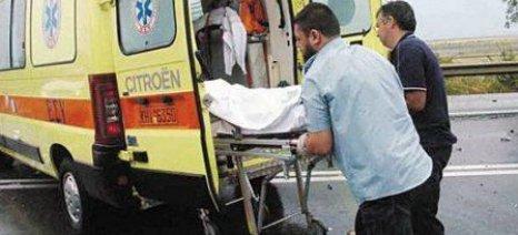 Σύγκρουση αυτοκινήτου με βαμβακοσυλλεκτική στη Λάρισα
