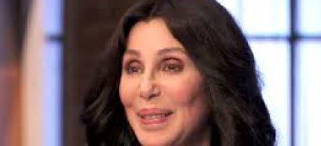 Επιδεινώνεται η υγεία της Cher