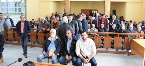 Αθωώθηκαν οι δέκα αγροτοσυνδικαλιστές για το μπλόκο της Νίκαιας