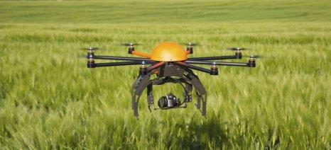 Τη βοήθεια του Πανεπιστημίου Θεσσαλίας για την κατασκευή γεωργικών drones ζήτησε από τον πρύτανη ο Μπόλαρης