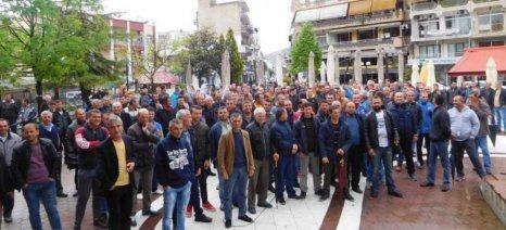 Σε απεργία οι εργάτες γης στον Τύρναβο