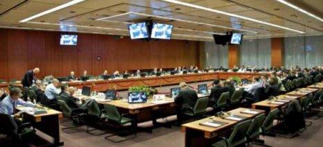 """Απογοήτευση για τις """"φειδωλές"""" δηλώσεις των υπουργών της Ευρωζώνης"""