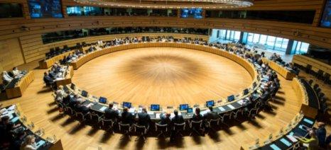 Πρωτοβουλία για μερική άρση του ρωσικού εμπάργκο αναλαμβάνει ο Λε Φολ