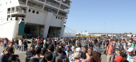 5.000 πρόσφυγες έφτασαν στον Πειραιά