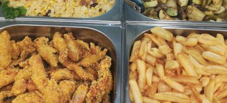 Συστάσεις του ΕΦΕΤ για ασφαλή γεύματα εκτός σπιτιού