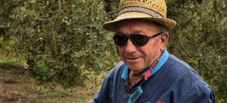 """Έλαβε το """"μήνυμα"""" των συνταξιούχων αγροτών το Μαξίμου σχετικά με τις περικοπές σε όσους συνεχίσουν να εργάζονται"""