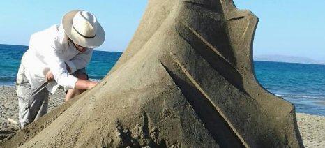 Όλο το καλοκαίρι θα βρίσκονται τα γλυπτά από άμμο στην Αμμουδάρα