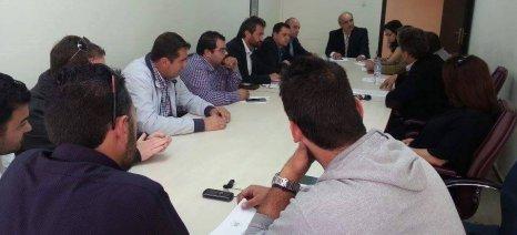 Γάλα, δικαιώματα και άδειες στάβλων στη συνάντηση της ΠΕΝΑ με Μπόλαρη