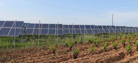 """Οριστικά 3,6% επί του τζίρου το νέο ετήσιο """"χαράτσι"""" για τα αγροτικά φωτοβολταϊκά"""