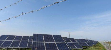 Μεγάλη φορολογική επιβάρυνση αγροτών για εισοδήματα από φωτοβολταϊκά