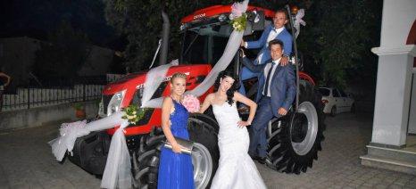 Ζευγάρι στο Γριζάνο Τρικάλων πήγε με τρακτέρ στην εκκλησία
