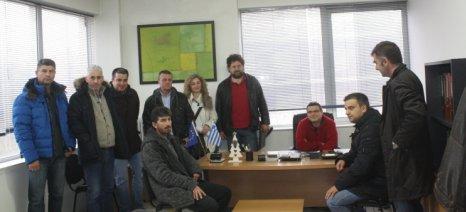 Μέλη του Γεωπονικού Συλλόγου Λάρισας διαμαρτυρήθηκαν στον ΟΠΕΚΕΠΕ για τον έλεγχο της νιτρορύπανσης
