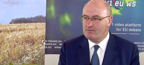 Επιμένει ο Χόγκαν πως έκανε ό,τι μπορούσε για την αγροτική κρίση, παρά τις αντιδράσεις