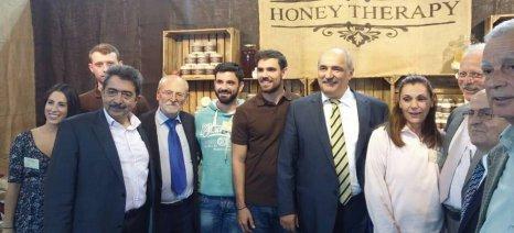 Μελισσοκόμοι... σταρ, πολιτικοί και χιλιάδες κόσμου στο Φεστιβάλ Μελιού