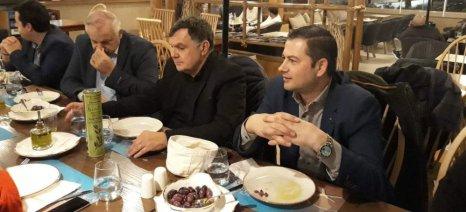 Εύσημα για το ελληνικό ελαιόλαδο από τον πρόεδρο του Διεθνούς Διαγωνισμού Ελαιολάδου EVO IOOC