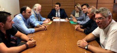 Συνάντηση «καλών προθέσεων» Σκρέκα με βαμβακοπαραγωγούς της Θεσσαλίας