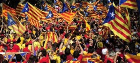 Διεθνής Τύπος: Η Καταλονία βάζει «νερό» στην ανεξαρτησία της