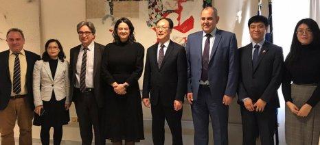 Με αντιπροσωπεία του υπουργείου Παιδείας της Κίνας συναντήθηκε η Κεραμέως