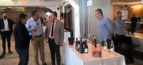 Την 1η Έκθεση του Συνδέσμου Μικρών Οινοποιών Ελλάδας επισκέφθηκε ο Κόκκαλης