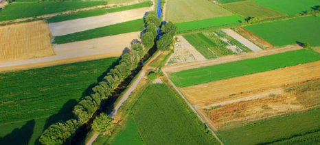 Ξανάγινε λίμνη η Κωπαΐδα - μόνοι τους οι αγρότες βγάζουν τα νερά από τα χωράφια