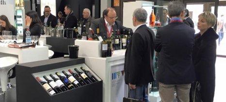 Εγκρίθηκε από τον Αποστόλου το πρόγραμμα της ΕΔΟΑΟ ύψους 5,2 εκατ. ευρώ για την προώθηση του ελληνικού κρασιού