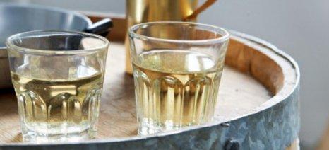 Νέα εγκύκλιος για τα παραστατικά πώλησης χύμα τσίπουρου και κρασιού