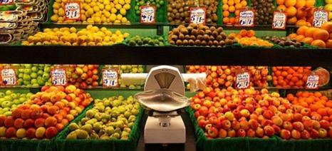 Διαφάνεια στις τιμές των αγροτικών προϊόντων από το ράφι έως το χωράφι ζητά η Commission