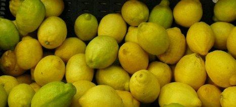 """""""Είδος πολυτελείας"""" τα λεμόνια στην ελληνική αγορά κατά τη θερινή περίοδο"""