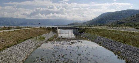 Με δημοπρασία θα γίνει η παραχώρηση κατά χρήση εκτάσεων στη λίμνη Κάρλα