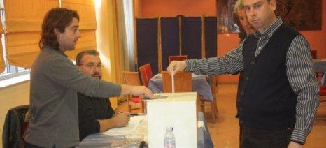 Πρώτος ο Καλαπούτης σε ψήφους στις εκλογές των μελισσοκόμων της Λάρισας