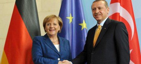 Επίσκεψη Μέρκελ στην Τουρκία - Στην ατζέντα προσφυγικό, κυπριακό και Συρία