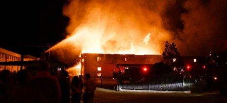 Κάηκαν 700 τόνοι μεταποιημένου καπνού στην αποθήκη 7-8 της Μισσιριάν